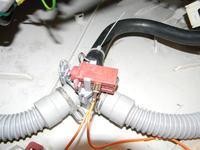 Pralka Amica 800 Aqua Spray PB5580B421 pobiera i wypuszcza wod�