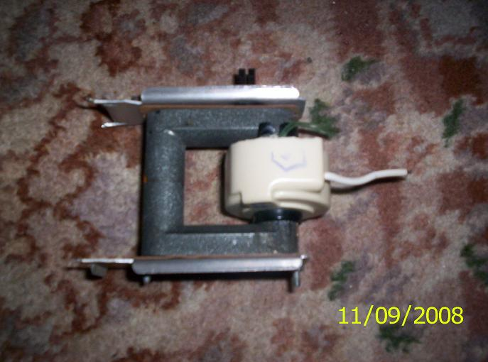 [Kupi�] Transformator wysokiego napi�cia z telewizora