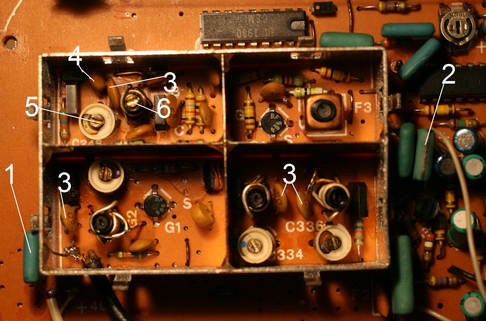 Unitra T3015 - Gubi sygna� radia
