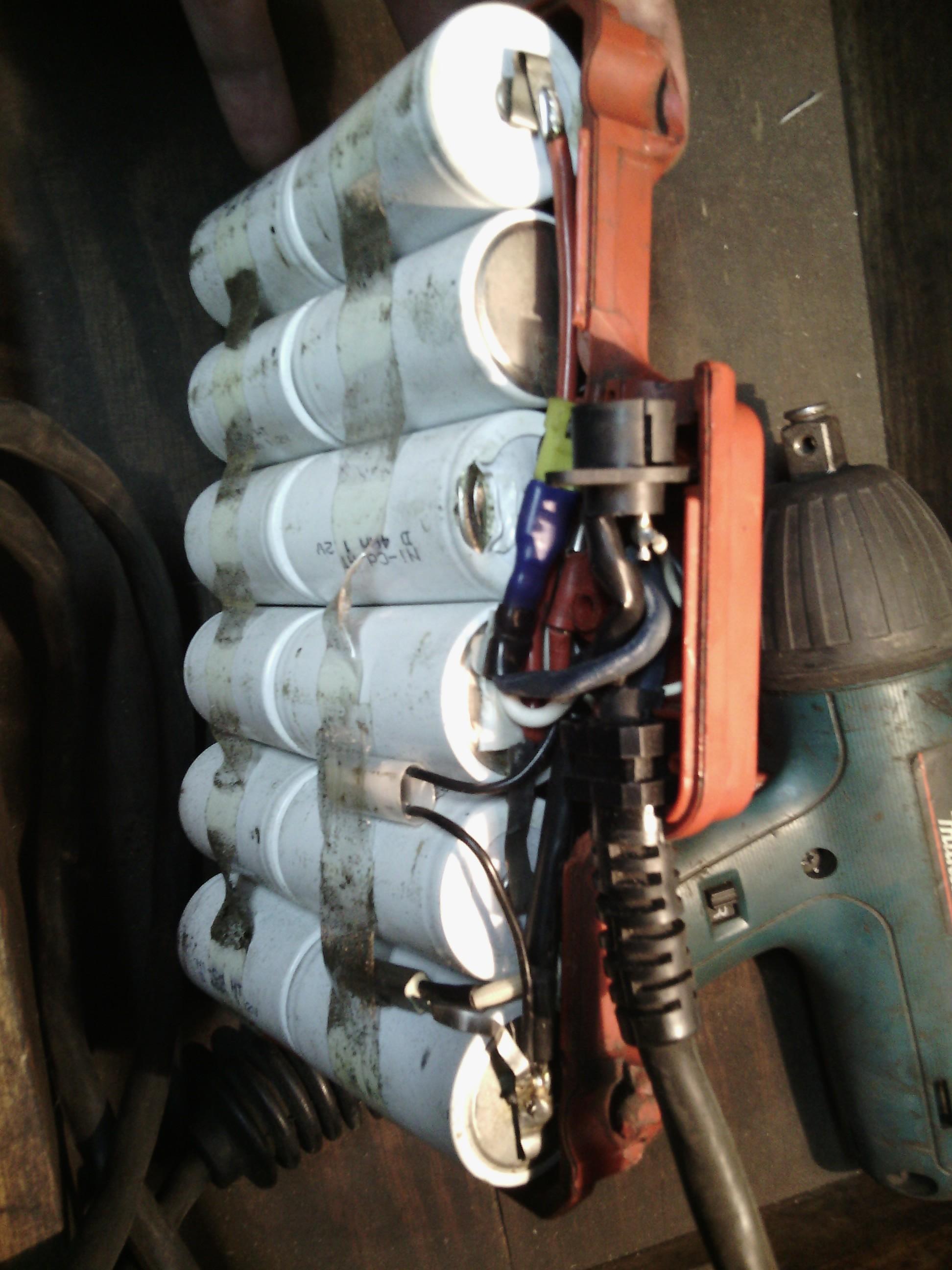 Makita 1401 - Wymiana baterii