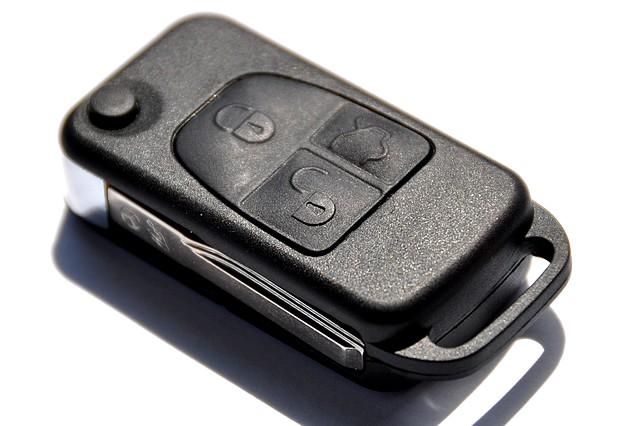 Nissan Mercedes - Kluczyk Mercedesa do nissana Almery