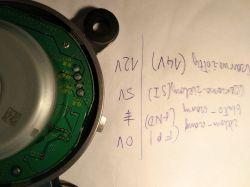 Toyota Prius Schemat zasilania silnika wentylatora chłodzącego baterię (4 piny)