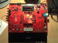 Rozbudowany uk�ad rozwojowo-badawczy dla procesor�w ARM-AVR