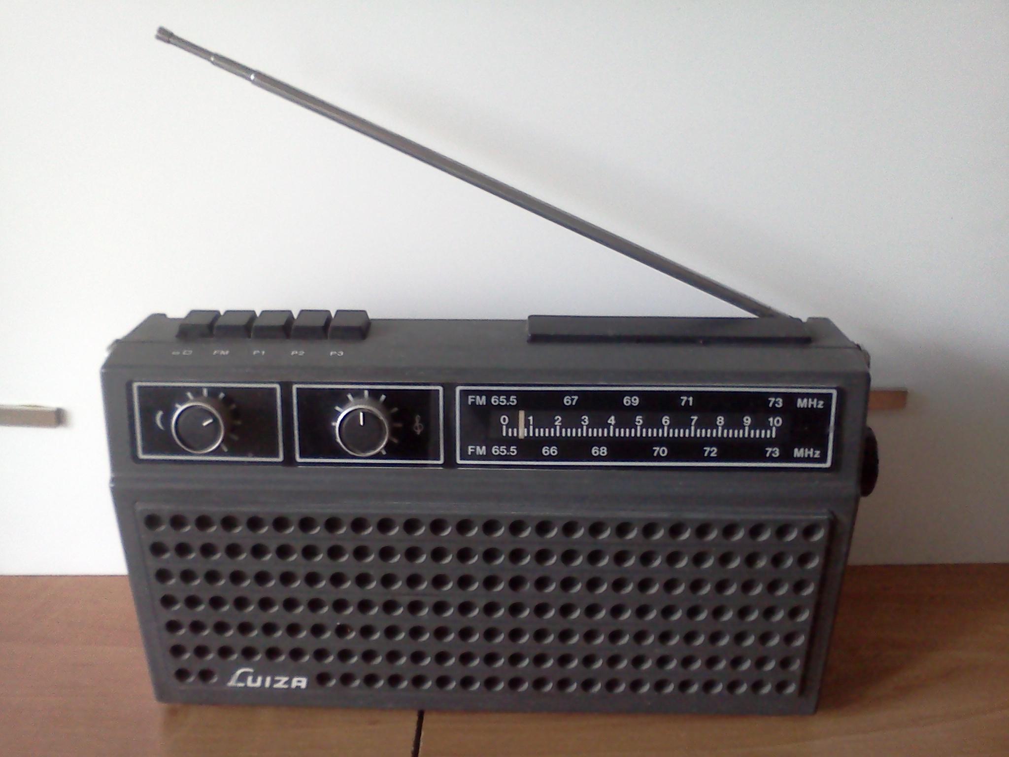 [Sprzedam] [Sprzedam stare radioodbiornik]