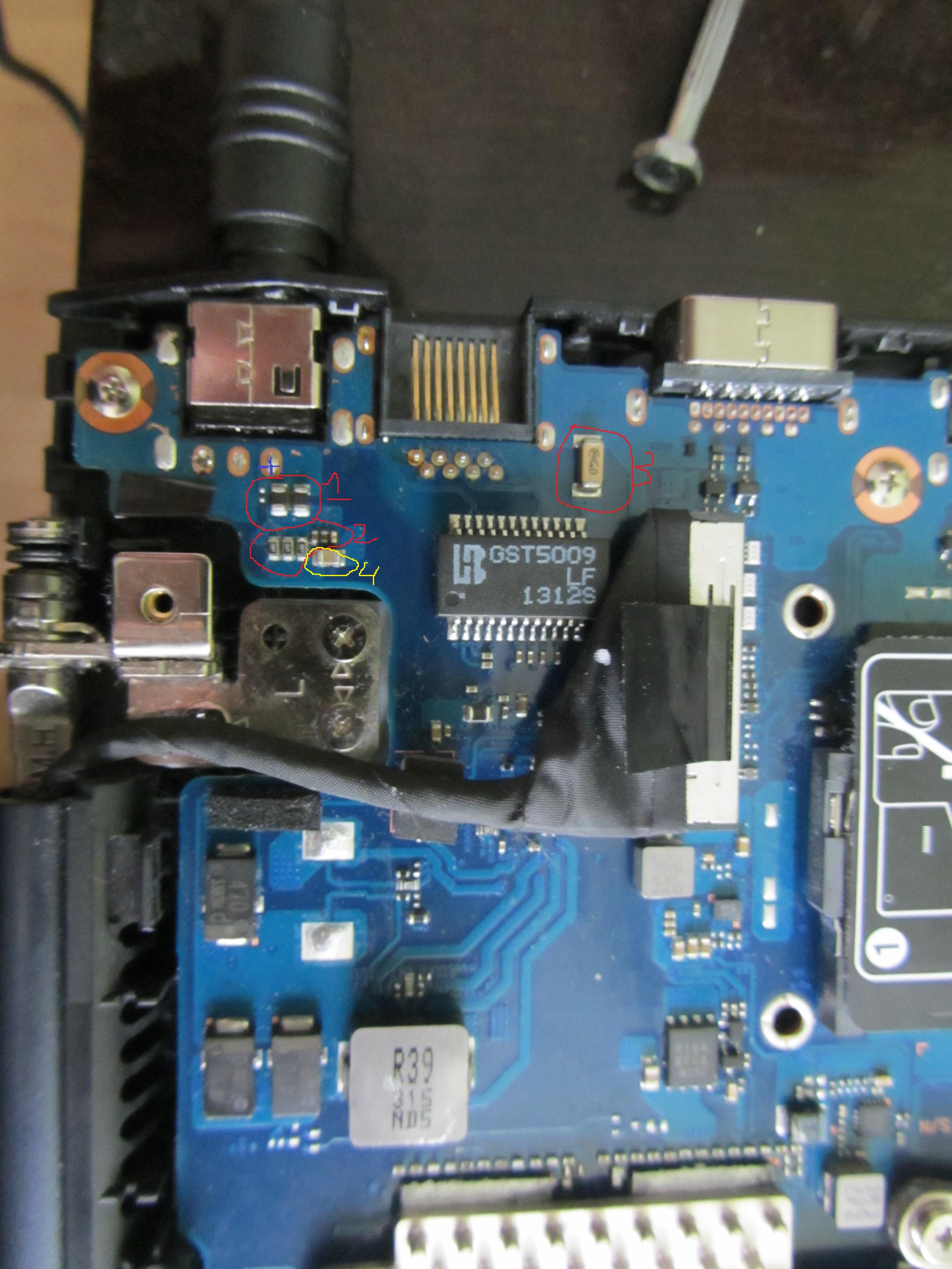 Samsung NP670Z5E - Nie startuje p�yta g��wna.