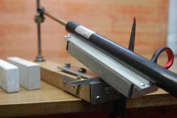 Ostrzałka do noży i nożyczek DIY