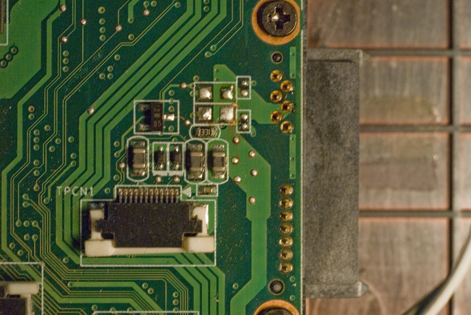 Lenovo Y530 - touchpad jaki kondensator