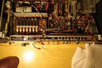 Unitra AT9100 - Jak zamocować oprawki żarówek?