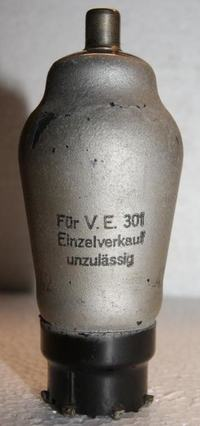 Czyszczenie metalizacji lampy z brudu