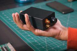 Przenośny wzmacniacz audio o mocy 200 W