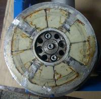 silnik synchroniczny - uszkodzone magnesy trwa�e