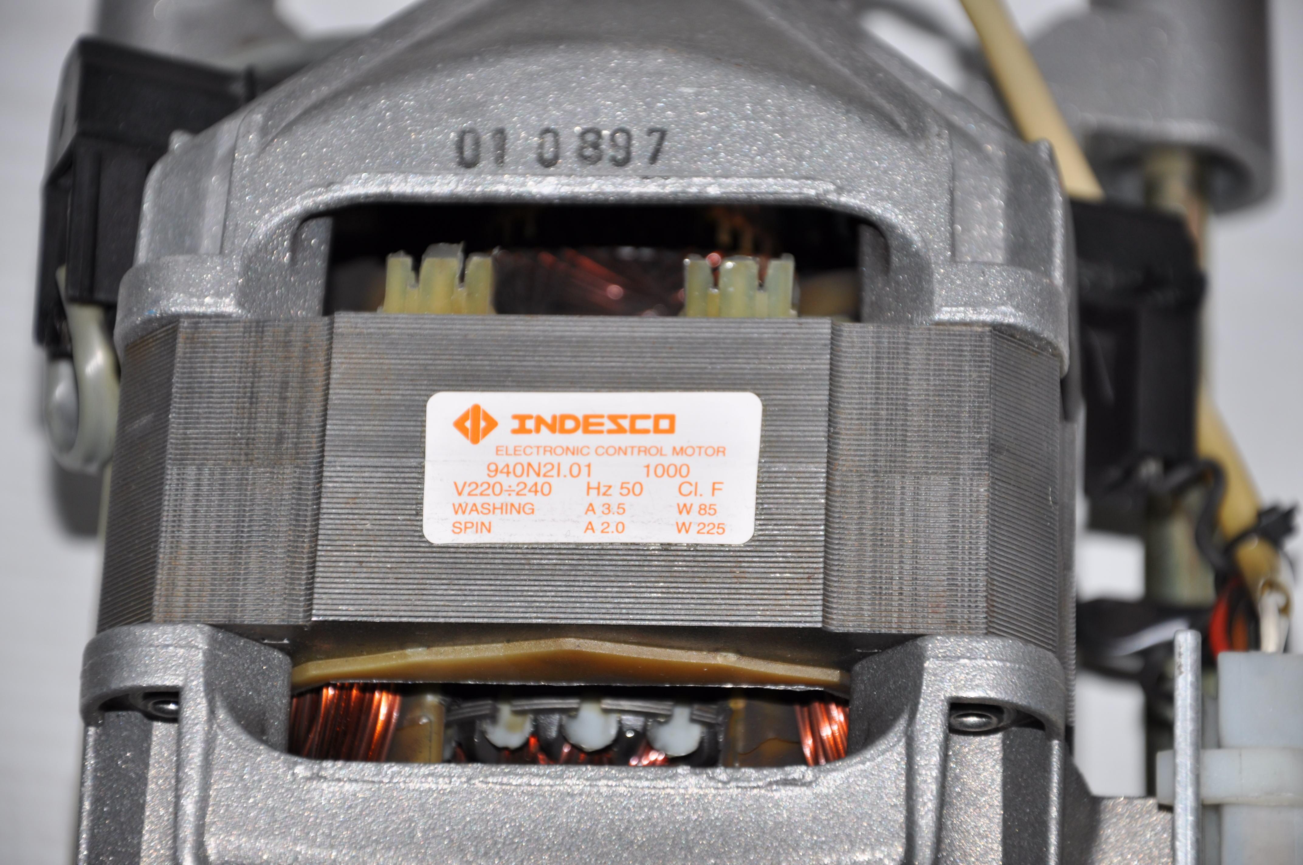 [Kupi�] Silnik pasuj�cy do pralki Ariston AD 10 Eu