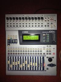 [Sprzedam] Mikser cyfrowy Yamaha 01v