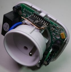 Remote controlled WiFi socket with power measurement - Piri