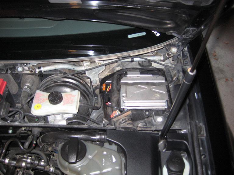 Audi 80 1,6 89r gdzie znajduje si� modul zaplonu i sterownik (ecu)