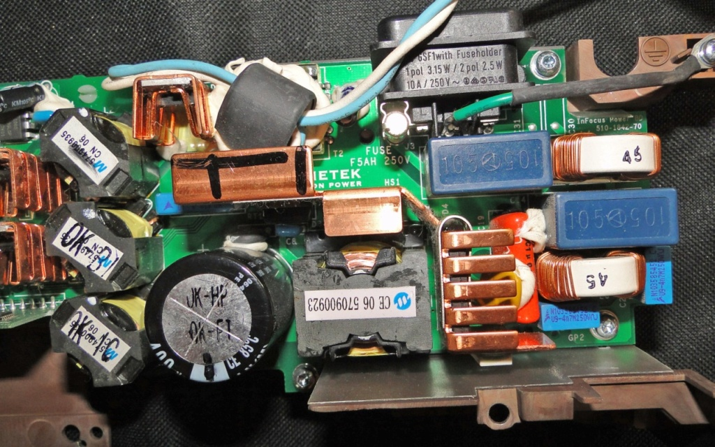 IN 32 InFocus projektor DLP - nie dzia�a �wiec� wszystkie kontrolki