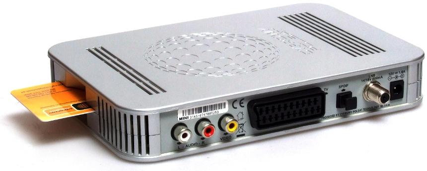 """TV LED 37"""" SAMSUNG UE37D5000 - pro�ba do posiadaczy - oraz dziwny kabel co"""