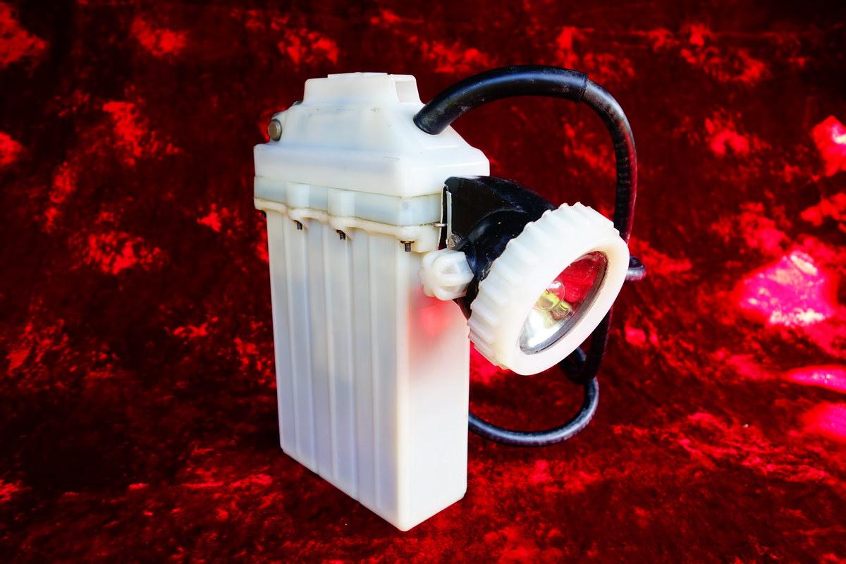 FASER RC-12M - Akumulator i �adowanie g�rniczej lampy nahe�mnej FASER RC-12M