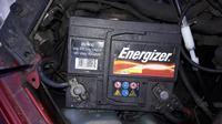 Polo, beznzyna 1,0 97 rocznik - akumulator