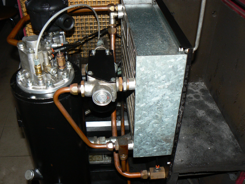 W Ultra Kompresor srubowy FIAC V20 - wyrzuca olej przez zawór odprężny KC39