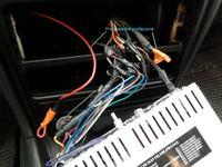Hyundai lantra 1.6  GLS 1996 r - Pod��czenie radia samochodowego. wolne przewody