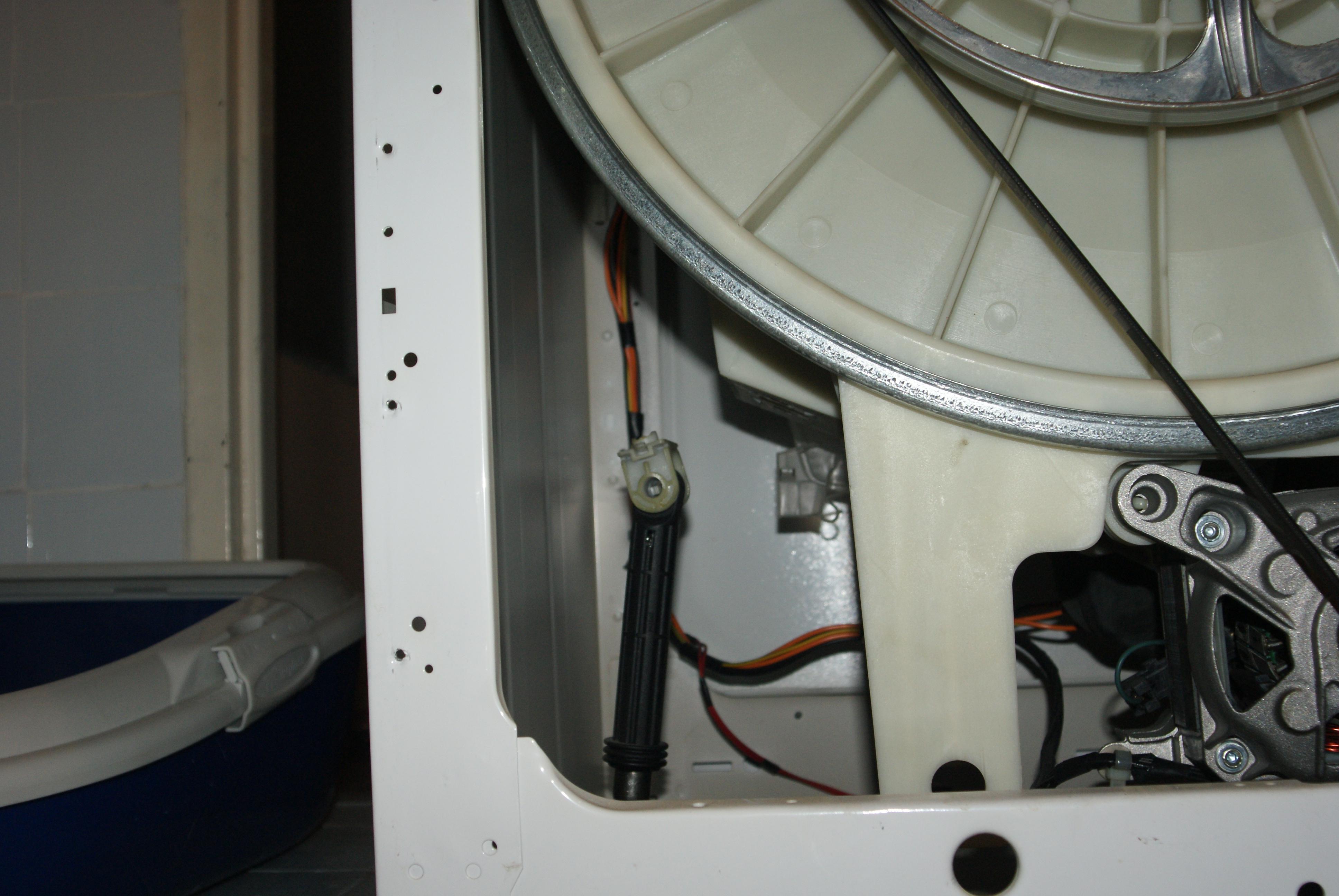 Whirpool AWM 6101 - wymiana amortyzator�w