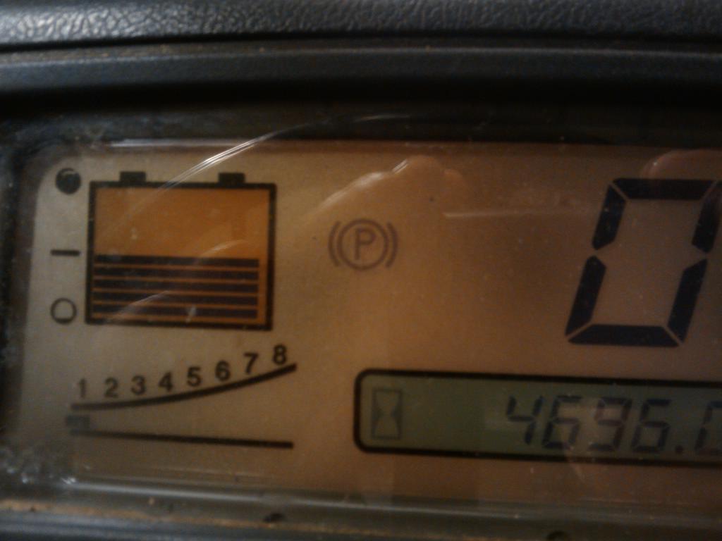 W�zek wid�owy elektryczny Toyota - migaj�ca dioda