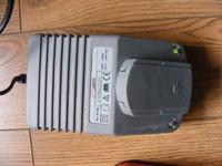 [Sprzedam] lub zamienię - Szybka ładowarka oraz akumulatory do wkrętarki 18V