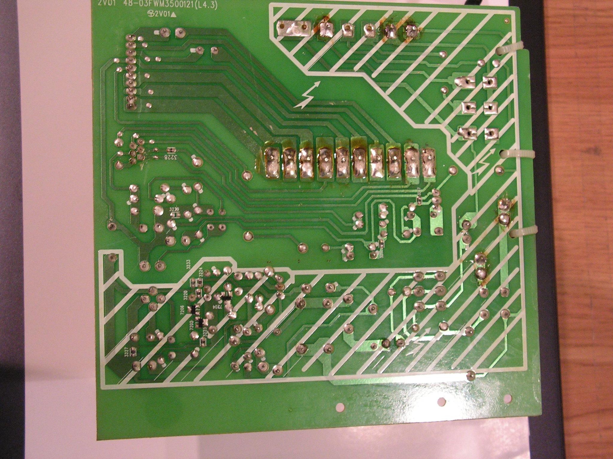Wie�a Philips FWM35 problem z zasilaczem-w��czanie na bateri