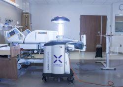 Roboty sterylizacyjne z promiennikami UV-C