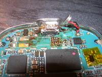 Nokia 8800 - zdrowo uwalone z��cze micro USB gdzie znajd� piny danych USB