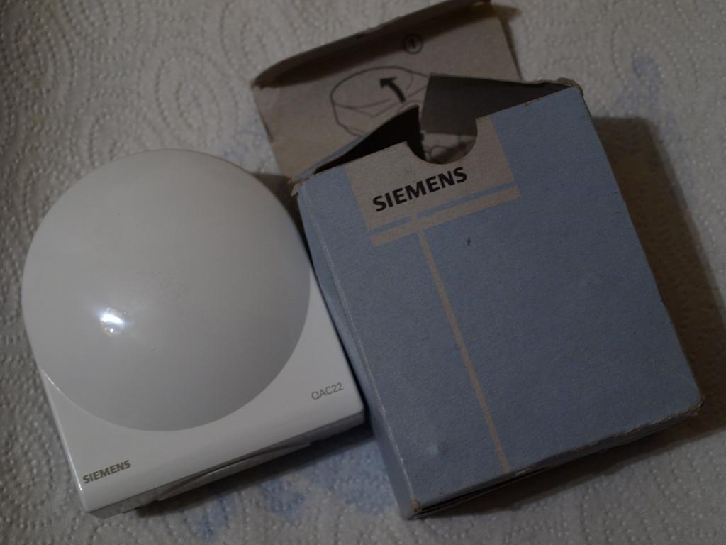 [Sprzedam] Nowy SIEMENS QAC22 - czujnik temperatury zewn�trznej LG-Ni1000