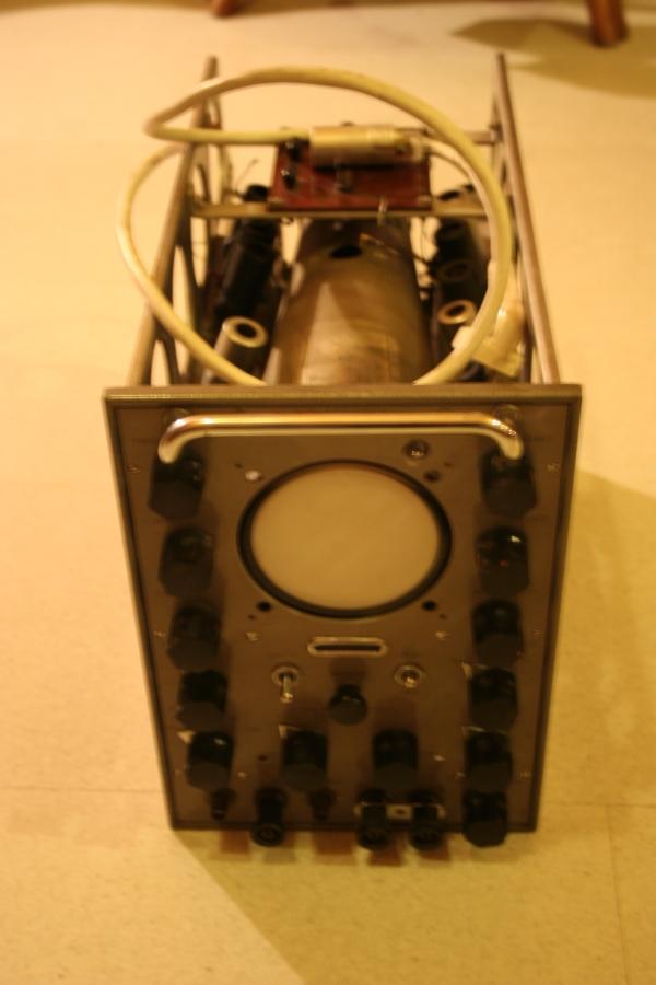 Poszukuj� schematu/instrukcji do oscyloskopu Solartron CD524