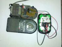 Ładowanie akumulatora wkrętarki 14.4V prostownikiem automatycznym z biedronki
