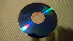 Uszkodzona płyta CD z filmem, nie da się skopiować na komputer
