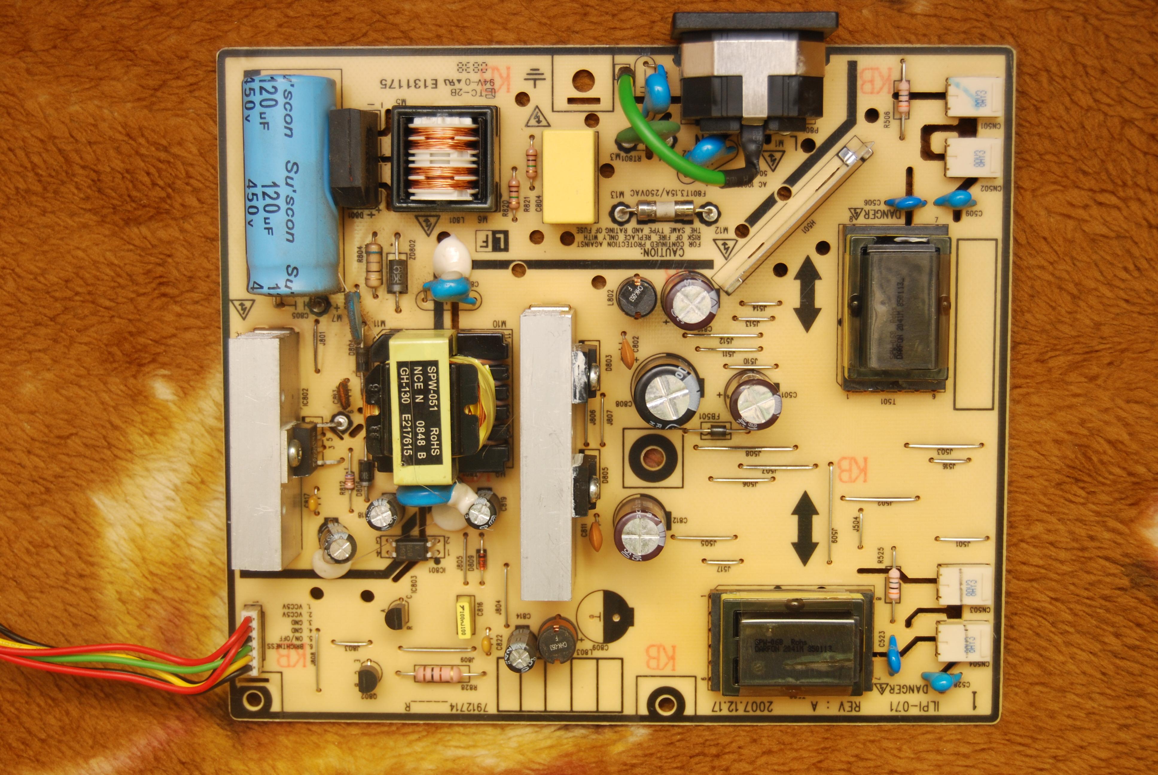 Monitor LG Flatron W1934S ga�nie po 2 sekundach