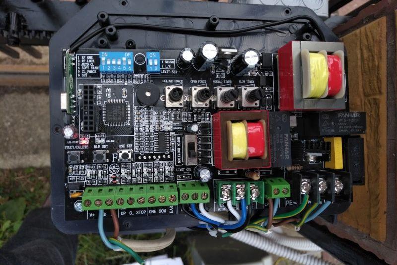 Podłączenie fotokomórek do zestawu z Allegro MAXGATE 2000