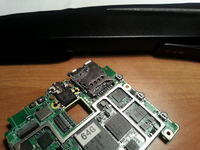 Asus PadFone 2 wyrwane 3 �cie�ki gniazda SIM, kt�ra �cie�ka do danego PINu p�yty