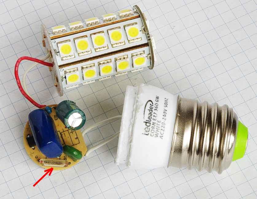 �ar�wka LED SMD przestaje �wieci� - migocze.