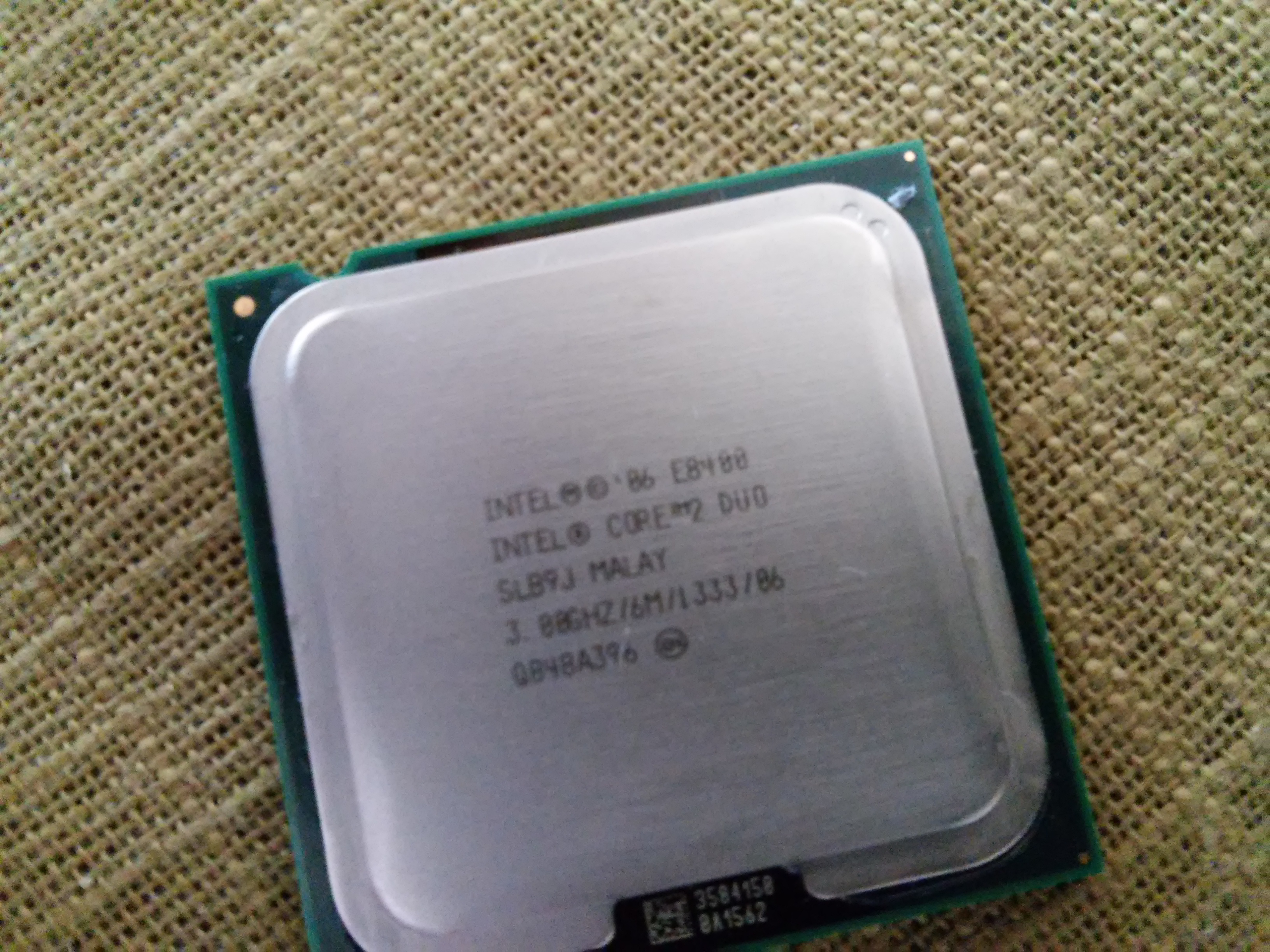 [Sprzedam] CPU LGA775 C2D e8400, kart� graf. Asus HD6850 1GB Direct Cu