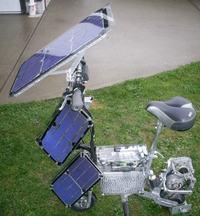 R�cznie wykonany skuter elektryczny