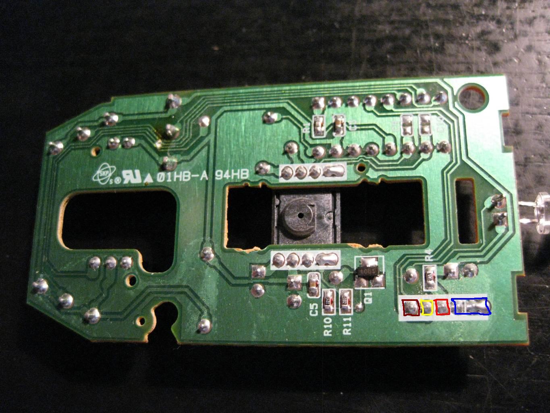 Zasilanie PS2 myszki Logitech M-SBF96-oznaczenia pin�w zasilania.
