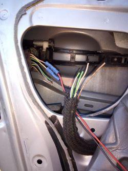 Peugeot 307 1,6 16V 2003r - centralny nie zamyka prawych przednich drzwi