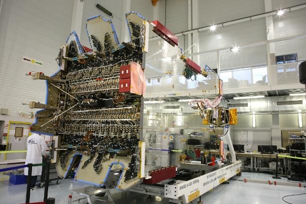 Eutelsat uruchamia satelite dla uslug internetowych.