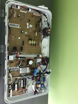 Lodówka Samsung RL55YTEBG - wyłącza się całkowicie po otwarciu drzwi