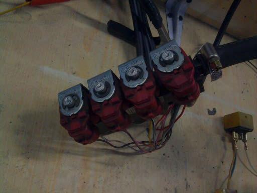 Mikroprocesorowy sterownik - tester wtryskiwaczy gazowych.