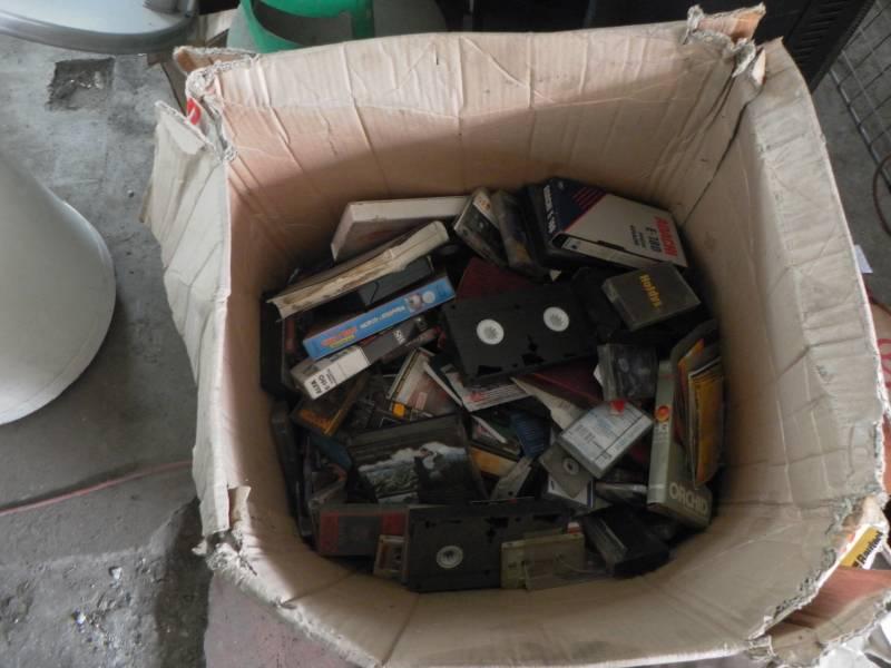 [Oddam] Kasety magnetofonowe i VHS