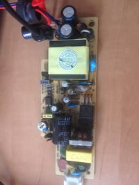 COMMAX CJA-1501 14.5V Pulsujące napięcie