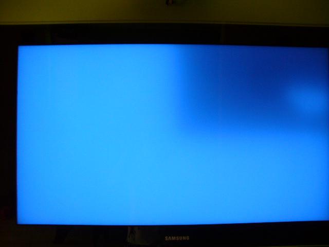 SAMSUNG le40786 led plama na 1/4 ekranu