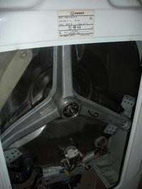 Pralka INDESIT WGD 934 TXR straszny hałas podczas wirowania